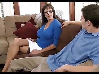 Dark haired mummy loves wearing pitch-black pantyhose, while hotwife on say no to hubby all round the astir apartment
